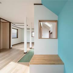 Habitaciones juveniles de estilo  por 株式会社小木野貴光アトリエ 級建築士事務所