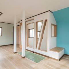 غرفة نوم أولاد تنفيذ 株式会社小木野貴光アトリエ 級建築士事務所