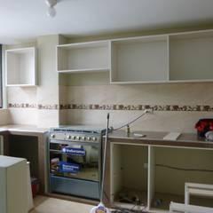 Cocina 2015: Muebles de cocinas de estilo  por ARDI Arquitectura y servicios