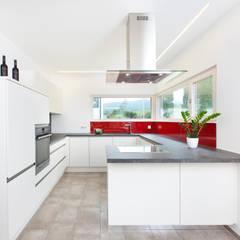 Offene Küche:  Einbauküche von TALBAU-Haus GmbH