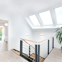 Musterhaus Weissach:  Flur & Diele von TALBAU-Haus GmbH