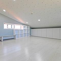 Media room by 하우스톡
