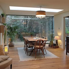 Glazed Extension for a 19th Century Home:  Dining room by ArchitectureLIVE