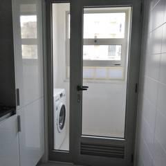 Apartamento T1 Lumiar: Varandas  por EU LISBOA