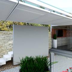 Quinta la Trinidad: Terrazas de estilo  por Proyectos C&H C.A