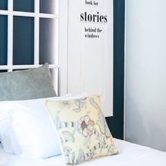 Small bedroom by SHI Studio, Sheila Moura Azevedo Interior Design, Scandinavian