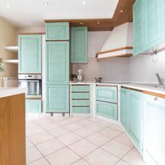 Kitchen by Le Case di Erica | Interior&HomeStaging