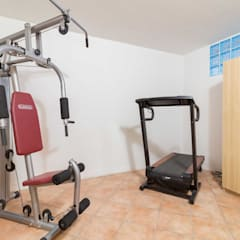 Gym by Le Case di Erica | Interior&HomeStaging