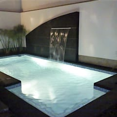 Garden Pool by IDEART group.  + arquitectura + diseño + construcción,