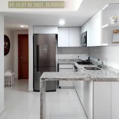مطبخ ذو قطع مدمجة تنفيذ Remodelar Proyectos Integrales, حداثي صوان
