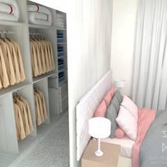 Dressing room by Rafaela Longhi Arquitetura e Interiores
