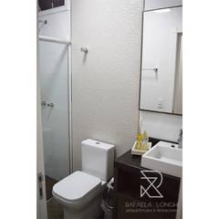Projeto de Reforma e Projeto de Interiores M&V Banheiros clássicos por Rafaela Longhi Arquitetura e Interiores Clássico Azulejo