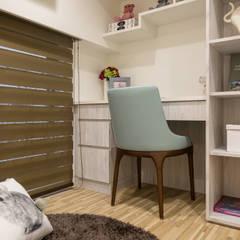 Study/office by 富亞室內裝修設計工程有限公司