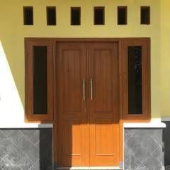 أبواب رئيسية تنفيذ ud.CMTO, تبسيطي خشب Wood effect