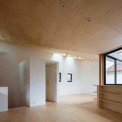 Habitaciones juveniles de estilo  por 設計事務所アーキプレイス
