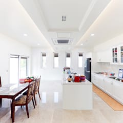 Kitchen units by 더존하우징, Mediterranean