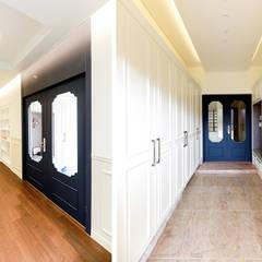 아름다운 곡선 디자인이 특징인 지중해풍 고급 주택 (전라남도 순천시): 더존하우징의  복도 & 현관