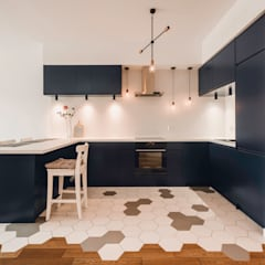Kitchen units by Karolina Czech Pracownia Architektury i Wnętrz