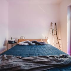 Sypialnia w stylu skandynawskim: styl , w kategorii Sypialnia zaprojektowany przez Karolina Czech Pracownia Architektury i Wnętrz