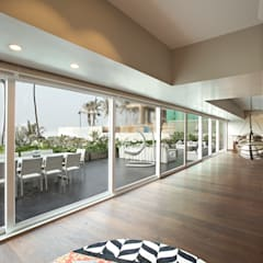 6 BHK, NEPEAN SEA ROAD:  Terrace by Finelines Designers Private Limited