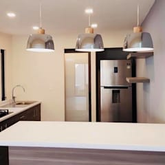Casa Morales: Muebles de cocinas de estilo  por MT-GI STRATEGIC SERVICES , Moderno Aluminio/Cinc