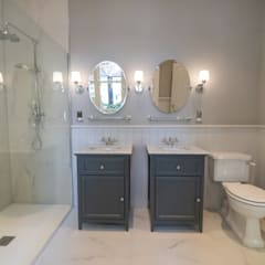 HOUSE EXTENSION AND LOFT CONVERSION WITH FULL HOUSE REFURB IN KEW:  Bathroom by The Market Design & Build