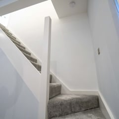 SLOUGH HOUSE EXTENSION AND REFURBISHMENT:  Stairs by The Market Design & Build