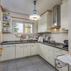 Apartamento de luxo no Monte Estoril: Cozinhas  por ImofoCCo - Fotografia Imobiliária