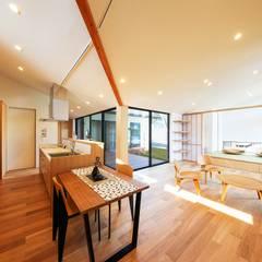 غرفة السفرة تنفيذ STaD(株式会社鈴木貴博建築設計事務所)