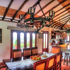Dining room by cesar sierra daza Arquitecto