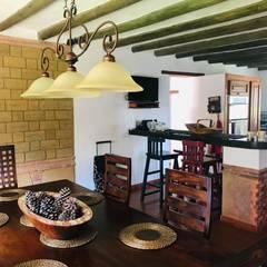 Casa 14: Comedores de estilo  por cesar sierra daza Arquitecto