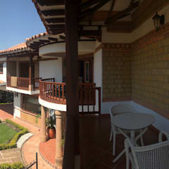 Balcony by cesar sierra daza Arquitecto