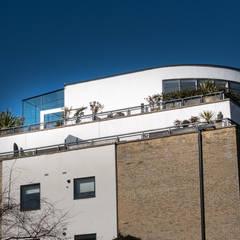 South West London:  Balcony by IQ Glass UK, Modern Glass