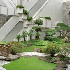 Estanques de jardín de estilo  por Tukang Taman Surabaya - Tianggadha-art,