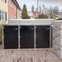 de design@garten - Alfred Hart - Design Gartenhaus und Balkonschraenke aus Augsburg Moderno Compuestos de madera y plástico