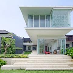 Houses by Rakta Studio