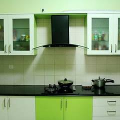 Modular Kitchen Designs :  Small kitchens by SuppliersPlanet