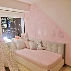 Habitación Secundaria: Habitaciones para niñas de estilo  por AlejandroBroker