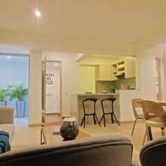 Espectacular Apartamento Club House 3 Alcobas 3 Baños 2 Garajes : Cocinas de estilo  por AlejandroBroker