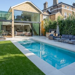 Outdoor Hydrotherapy Pool & Spa:  Pool by London Swimming Pool Company