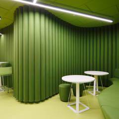Office jak Śląsk: styl , w kategorii Przestrzenie biurowe i magazynowe zaprojektowany przez Zalewski Architecture Group