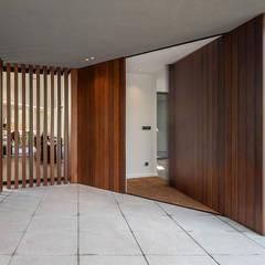 : Portas principais  por PAULO MARTINS ARQ&DESIGN