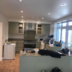 ​Fully Refurbishing  3 bedroom flat:  Built-in kitchens by HD Construction