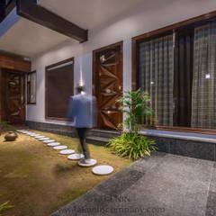 7WD Residence:  Villas by TakenIn