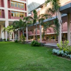 TakenIn의  학교