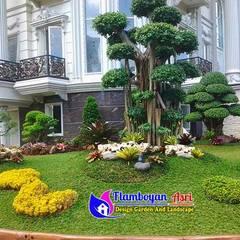 25 Koleksi Desain Tukang Taman Surabaya Terindah :  Halaman depan by Tukang Taman Surabaya - flamboyanasri