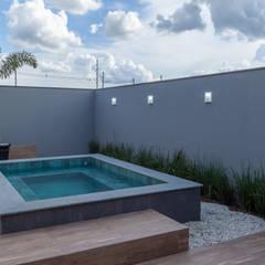 Hot tub by Romulo Garcia Arquitetura