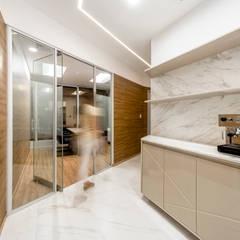 Oficina Corporativa - Edificio Panorama, Surco: Oficinas y Tiendas de estilo  por Baum Studio,