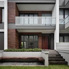 Gio House Setraduta Rumah Tropis Oleh CV Berkat Estetika Tropis Kayu Wood effect