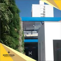 Tường by North Visual  - Letreiros e Fachada em Acm